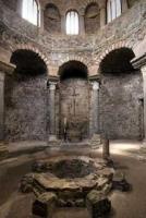 Intérieur du baptistère de Fréjus