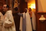 La procession passe la Porte de la Miséricorde